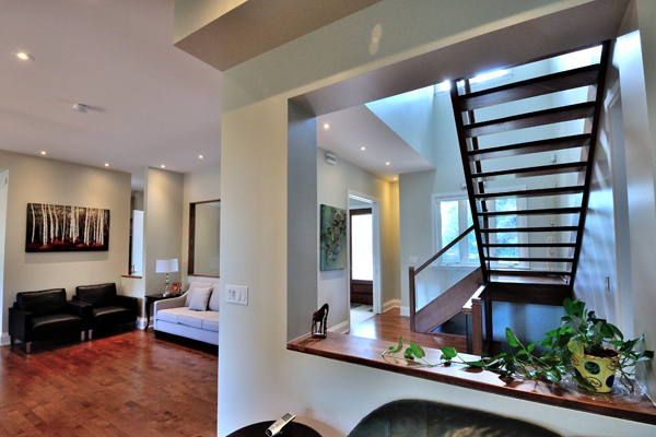 ravine-house-bayview-village-11-family-living-room
